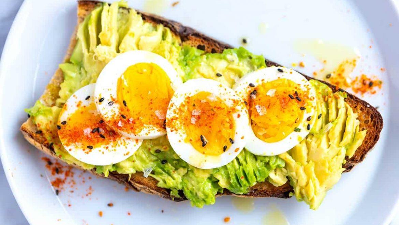 A Dozen Organic Reasons to Eat Eggs